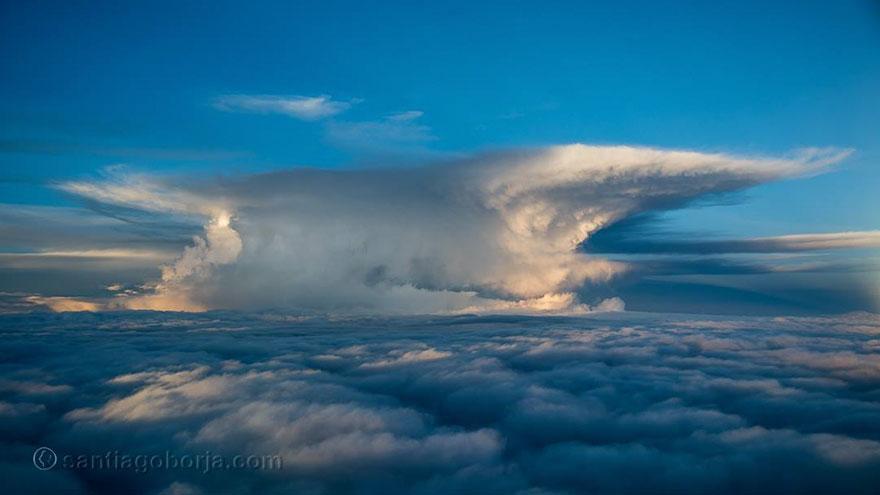 pilot-clouds-lightning-night-skies-santiago-borja-lopez-1-591954ad7ba92__880