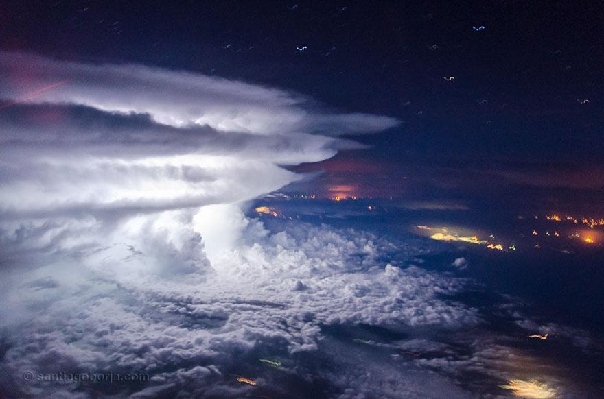 pilot-clouds-lightning-night-skies-santiago-borja-lopez-26-591954e76ad76__880
